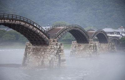 【四季折々の美しさ】錦帯橋・職人技術が結集した名橋を訪れる歴史旅