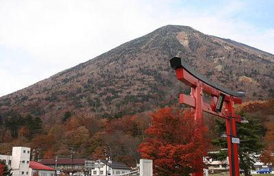 二荒山神社中宮詞・山の澄んだ空気を感じながら、中禅寺湖畔をゆっくりと巡る週末旅