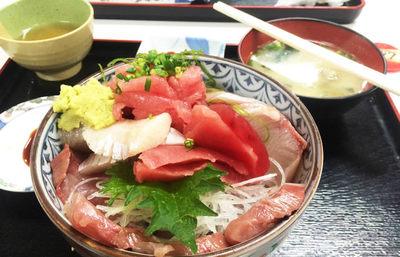 小田原の早川漁港・魚市場食堂の刺身定食【みんなで楽しむご当地グルメ】