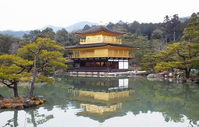完璧な美の象徴・金閣寺、観光の定番スポットを三島由紀夫作品の目線で体感する旅