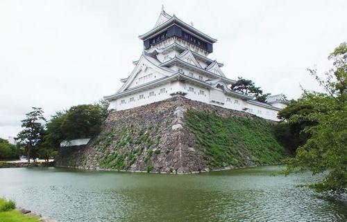 南蛮造りの天守を誇る小倉城、その波乱の歴史と武家の式法・小笠原流礼法の文化を知る旅