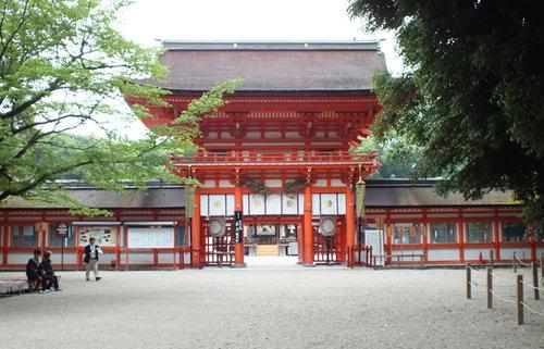 原初の祭祀を今に伝える上賀茂神社と下鴨神社。京の守護神とされる最古の社を訪ねる旅