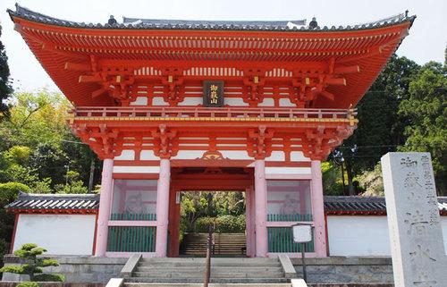 播州清水寺、ユニーク過ぎるビジュアルの「十二神将」と伝承の足跡に触れる古刹の旅