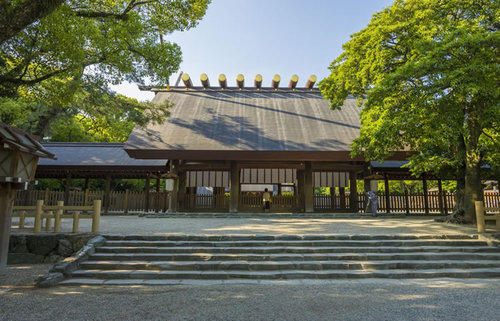 熱田神宮、三種の神器の1つである草薙剣を祀る宮で神剣の伝説に触れる歴史旅