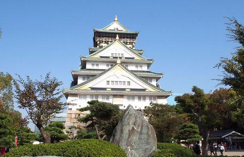 圧倒的スケールの大阪城、豊臣・徳川・大阪市民、落城しては再生した城の歴史を知る旅