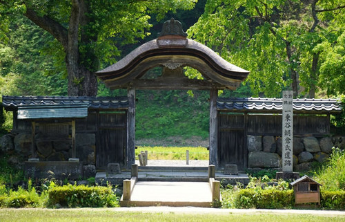 越前一乗谷の朝倉氏遺跡、400年を経て蘇えった幻の城下町で北陸の雄の痕跡に出会う旅
