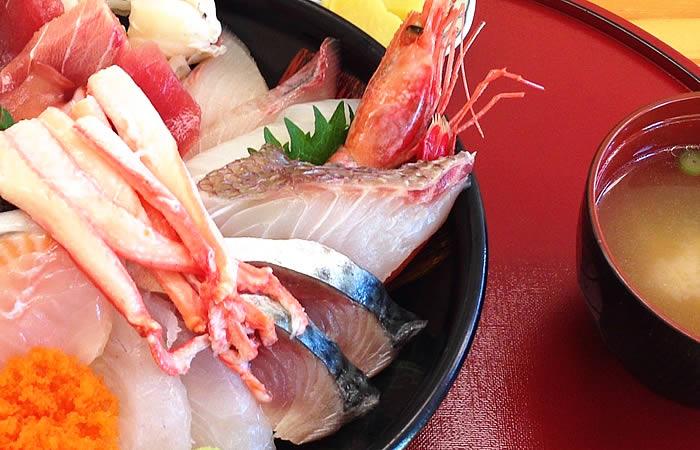 鳥取砂丘・鯛喜の豪華な海鮮丼