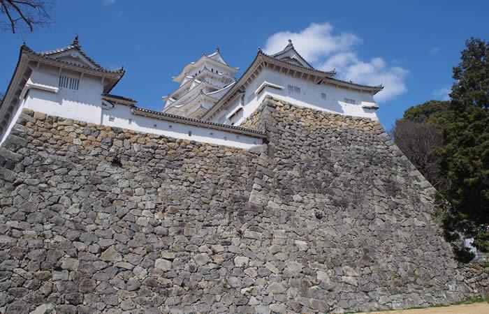 石垣に注目すれば城巡りがもっと...
