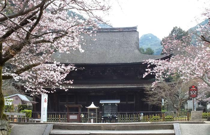 功山寺の仏殿