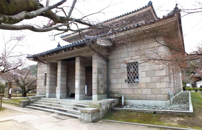 境内の長府博物館