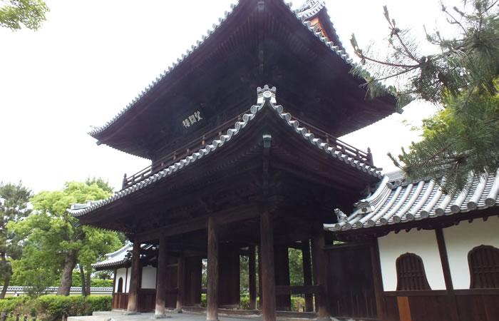 建仁寺の「三門(望闕楼)」