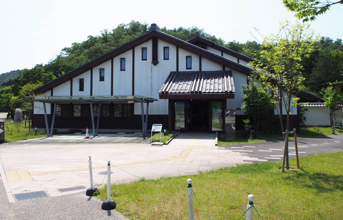 コウノトリ文化館