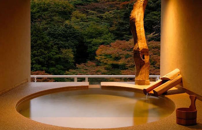 箱根水明荘の貸切露天風呂