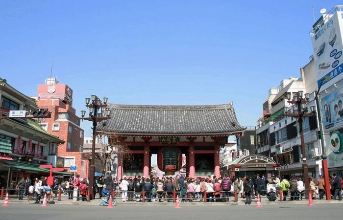 浅草寺の入口、雷門
