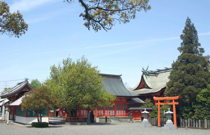 八代神社(妙見宮)の社殿群