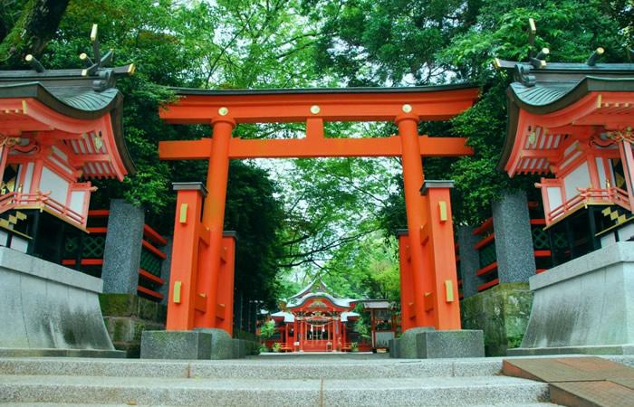 枚聞神社の境内