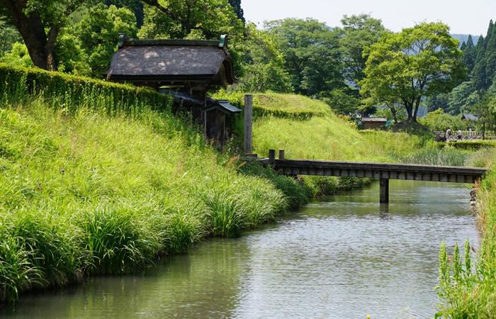 朝倉館の濠の風景