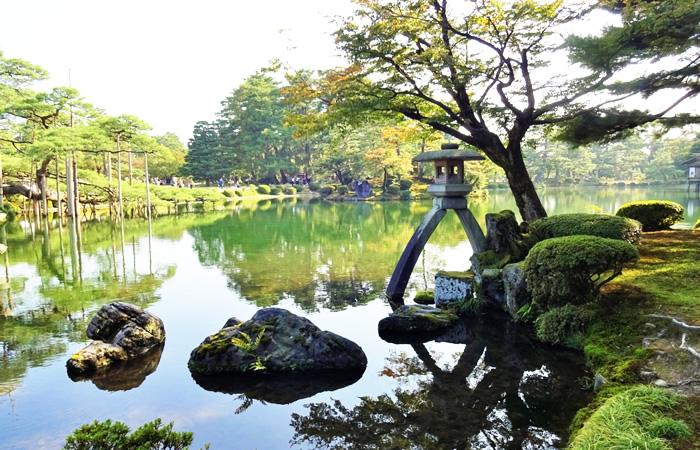 日本三名園の1つに数えられている金沢の兼六園