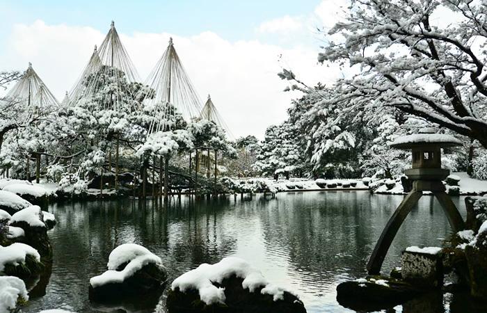 冬景色(雪吊り)の兼六園
