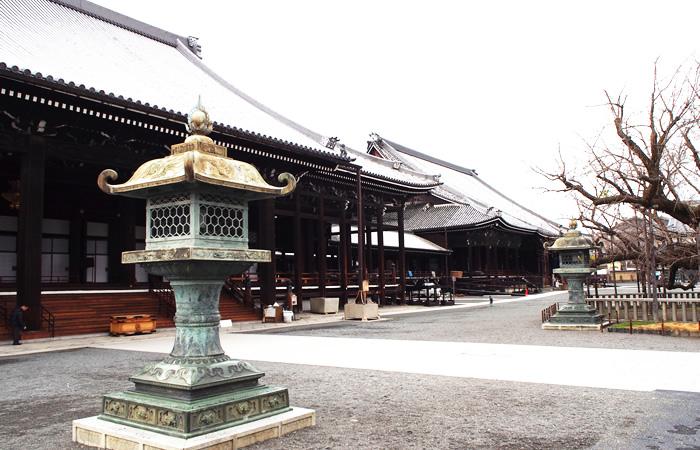 今も静謐な空気に包まれている西本願寺
