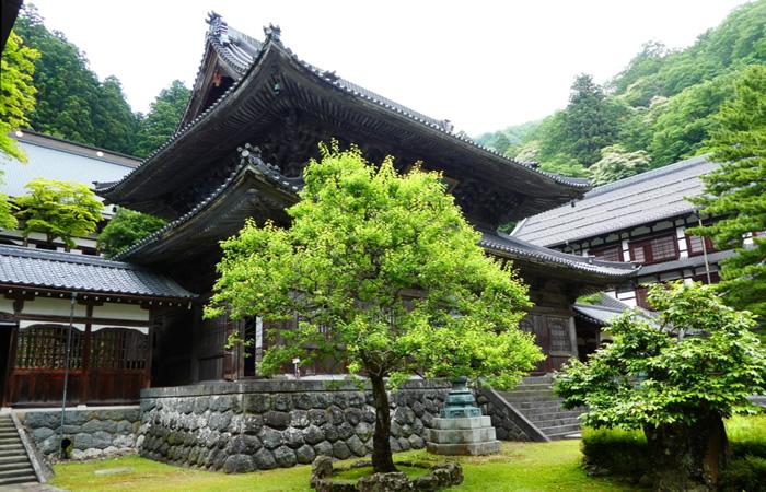 本尊が安置されている仏殿